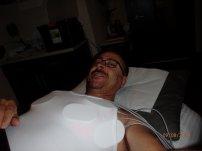 mężczyzna podczas zabiegu liposukcji